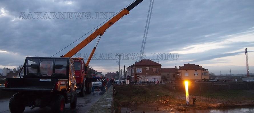 Почистват коритото на Марица в Свиленград