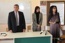 Магистрати стават лектори в езиковата гимназия