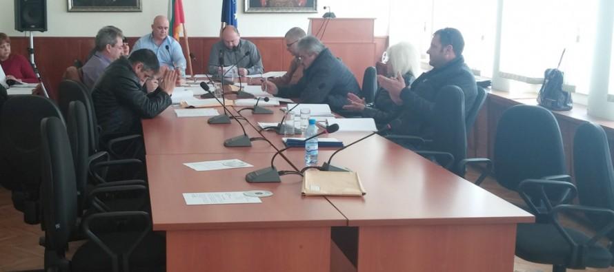 Бюджетът на Тополовград се прие, след като противниците му се скриха