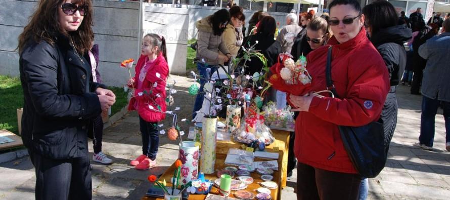 Събраха 1 700 лева от Великденския базар