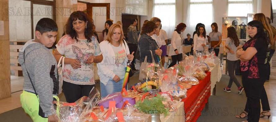 Благотворителна акция ГЕРБ –жени – Тополовград за първия учебен ден