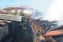 Възрастен мъж пострада, гасейки пожар в къщата си