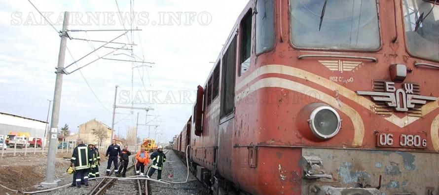 Горя 45-годишен локомотив на гарата в Харманли