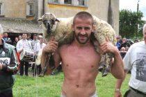Световни и Европейски шампиони  възродиха народните борби в Дряново