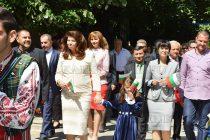 Вицепрезидентът Йотова бе гост за Деня на Тополовград