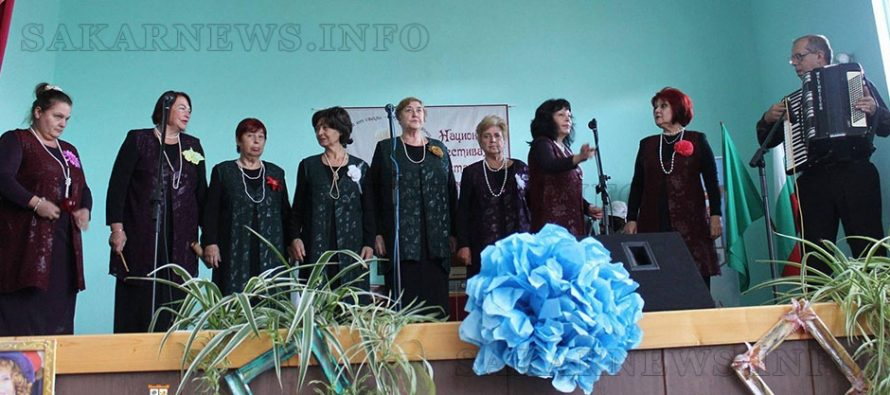 """Вокална група """"Водолей"""" се радва на  много награди за изпълненията си"""
