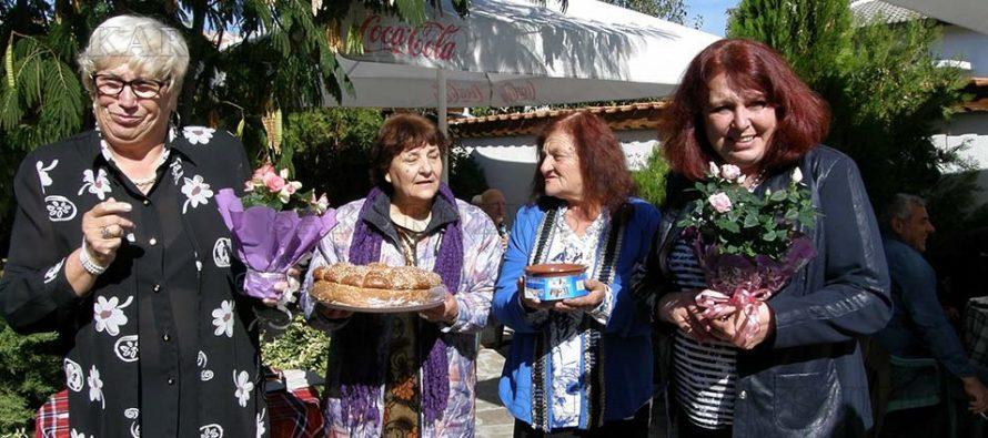 """Пенсионерски клуб """"Златна есен"""" получи  поздрави по случай 41 години от създаването си"""
